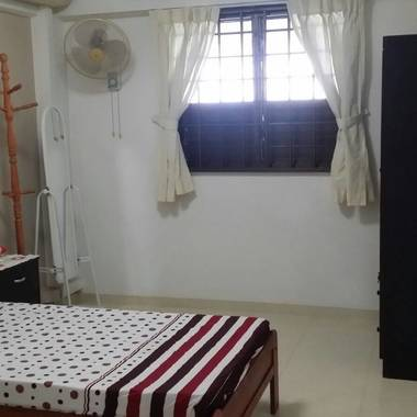 Common rm at Blk 728, West Coast St 2.  For Single Lady.  No Agent Fee.