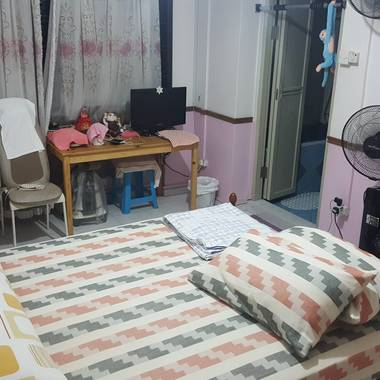 Master bedroom to rental (850 for 2 pax inclusive aircon & utilities)