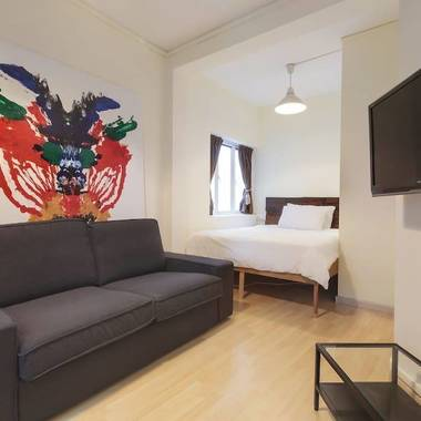 Studio in Hipster Tiong Bahru, Mins from MRT