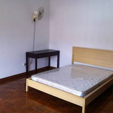 Pioneer MRT ( Yunnan Rd ) '1+1'/ Studio Room+ Sharing Kitchen for Rent