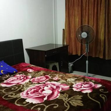 Two Common Rooms - Near Pioneer MRT & Boon Lay MRT