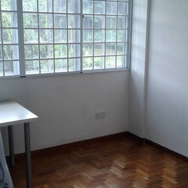 PASIR RIS MRT CONDO BIG COMMON ROOM (NO OWNER STAY)