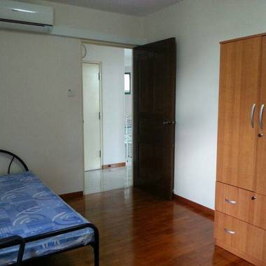 Whole unit for rental, nicely done up, Air-con in all Rooms 2 stops to Admiralty MRT