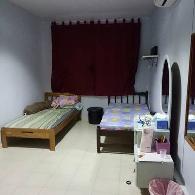 Pioneer MRT hbd rooms for rent