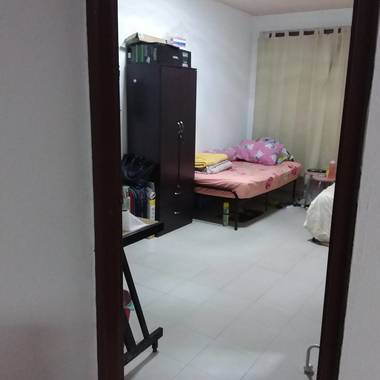 HUGE COMMON ROOM for Rent- CHOA CHU KANG :$600-$700 (AIRCON/ Wifi/ Includes Utilities &Gas/ Can Cook