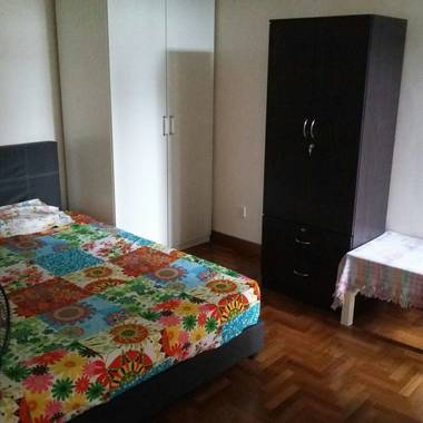 Single Room for rent available in Condo near Sixth Avenue MRT