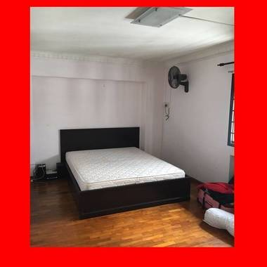 Master bedroom for rent (Woodlands)