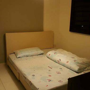 Common Room at Cantonment Close for Rent!