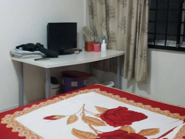 Fully Furnished Common Room for rent at Blk 504 Pasir Ris Street 52, walk to MRT and Whitesand Mall