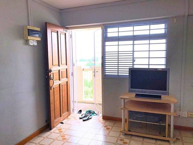 Rent Whole Unit = 2 Bedrooms + 1 Utility Room