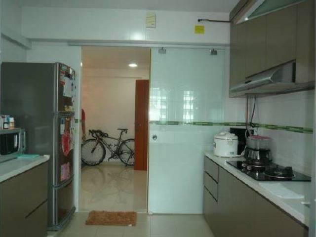 Block 445, Yishun Avenue 11, No agent fees, $450 rent
