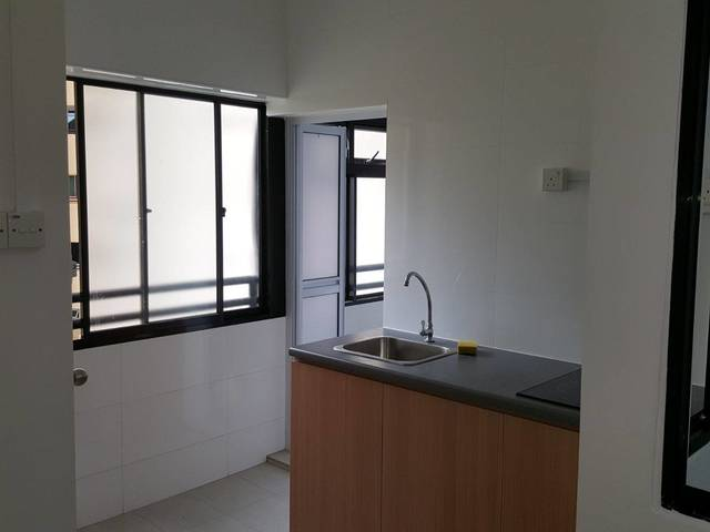 Pearl Bank Room For Rent