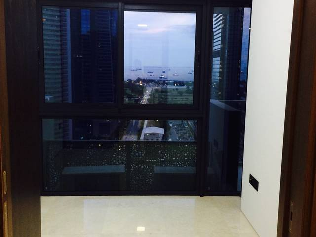 Luxury Lifestyle Living in Heart of CBD (Robinson Suites; 1+1 Condo Rent) Hurry and View!!