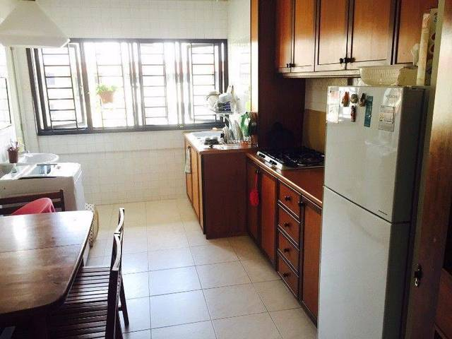 Master bedroom for rent at Block 331 Ang Mo Kio Avenue 1