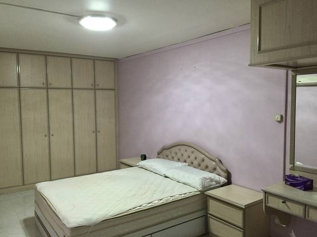 Blk 850 Cheap Master Room with Connecting Common Room