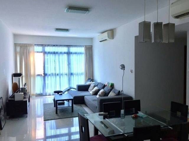 City Square Resi supreme Master Room Fully Furnished with Wifi/Air-con Available FOR RENT-walk to F