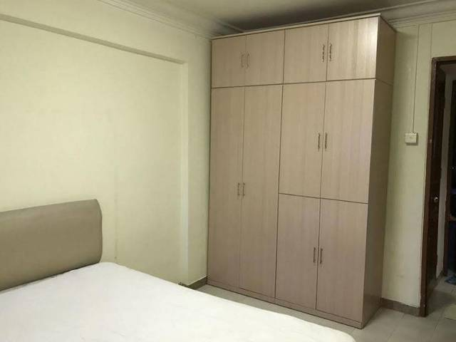 blk 12 pine close, mountbatten mrt, master room for rent