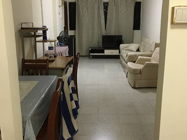 Excellent spacious common room for rent near ECP beach