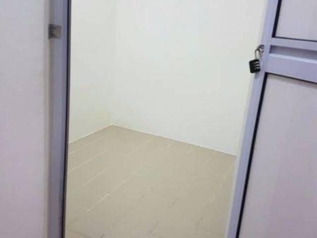 SIMEI CONDO UTILITY ROOM RENTAL $400 ONLY, OPP CHANGI HOSPITAL, EASTPOINT GREEN, SIMEI MRT