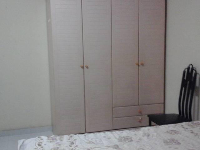 BlK 354  蔡厝巷  靠地铁站   租金 $590  有床,冷气,冰箱,洗衣机,电话