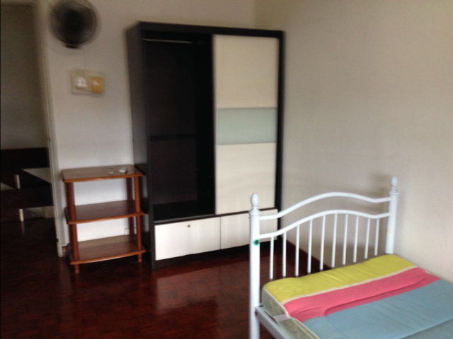 Landed Big Master Room @ Lorong Chuan, A/C, Wifi, Mins to the Lorong Chuan MRT.