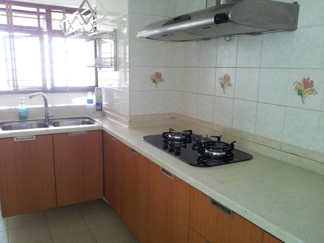 Convenient & Central location within 5 mins walk to Toa Payoh MRT Station