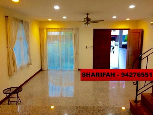 Corner Terrace for rent at Woodlands