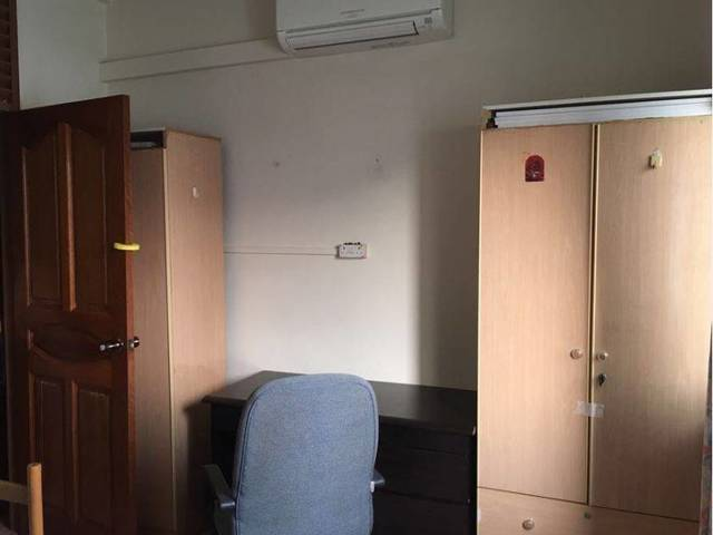 Clean Room for rent looking for tenant at Jurong West St 65