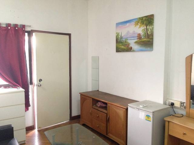 Beautiful bright Main room 1280, near Potong Pasir MRT, bus to Orchard,Dhoby Ghaut,Bugis