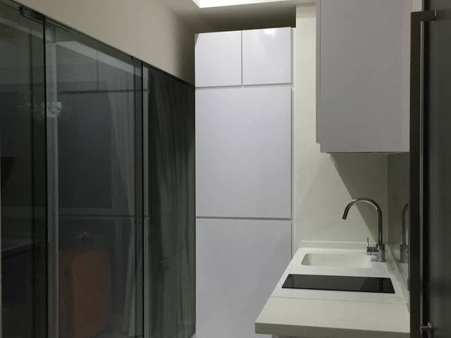 New Condo master room with walkin wardrobe, 5 mins walk to mrt