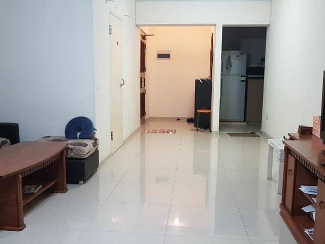 MasterRoom for rent in redhill hdb