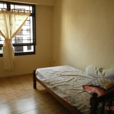Re: Common Room at near Tiong Bahru MRT for rent
