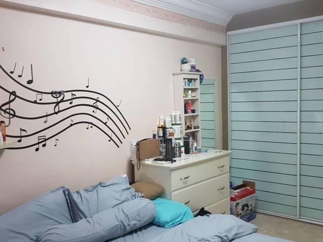 Master Bedroom for Rent 8mins Sheltered Walk to Lakeside No Owner