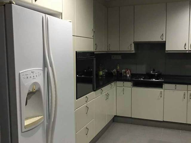 $1500 for a room in town ( orchard and somerset mrt)