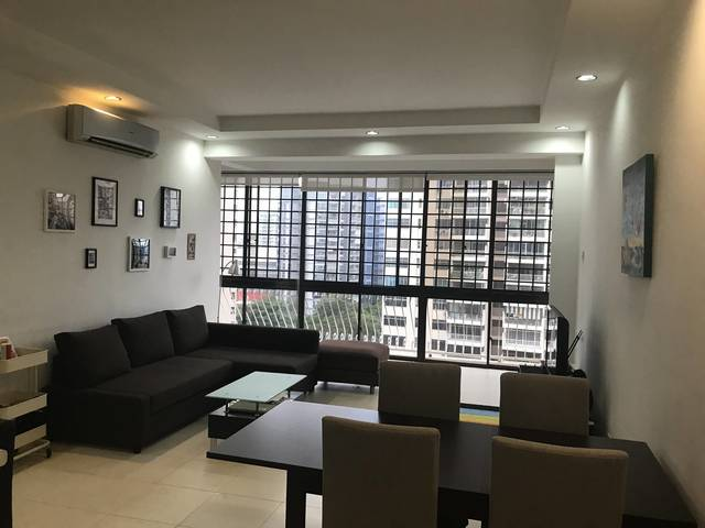 Chuan Park Condo / Lorong chuan Mrt 3 mins / Taking over our lease because relocation overseas