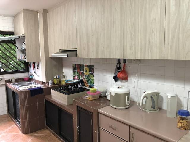 Common room for Rent! Blk 422 Jurong West St 41