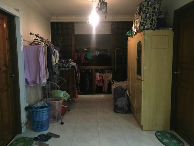 2 Bed space available for Female tenants