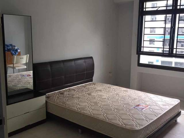 Boon Lay MRT common room rental for long term or short term