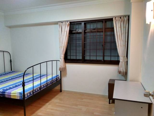 Couple Room to rent near Jurong Point (Blk 679C)
