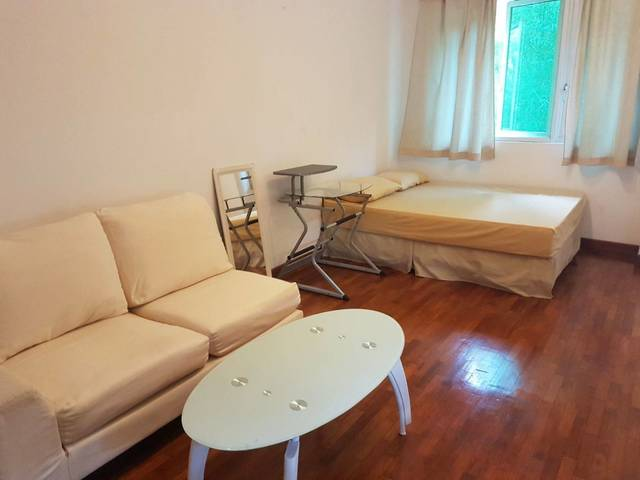 Concierge service room rental with sheltered parking Bay
