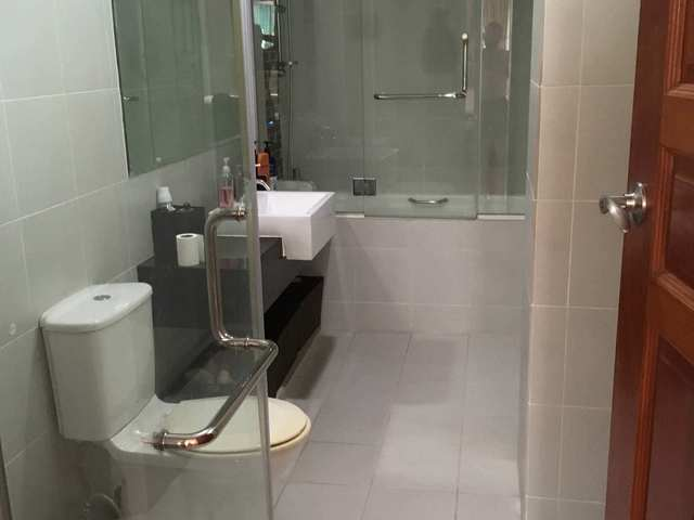 Massive Master Bedroom, Private Bath, 3 minute walk from Potong Pasir MRT