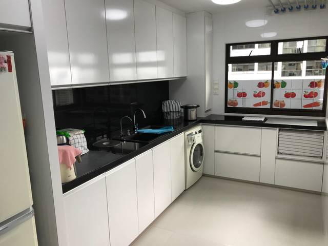 AMK MRT ROOM FOR RENT