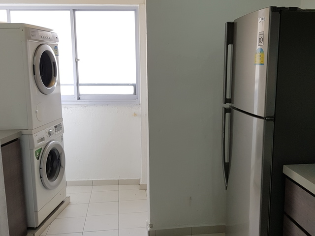 Pearlbank Apartment  Supreme Studio unit on High floor from $1680... mins walk to Outram MRT