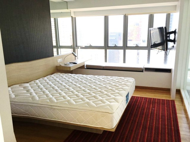 At the heart of CBD, Fully furnished with Concierge service 1 bedroom condo