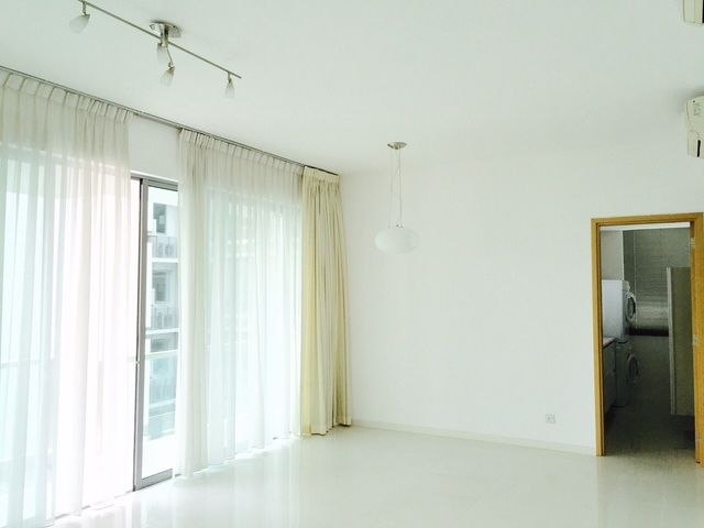 No agent fees! One North Res, near One North MRT, high floor, pool view