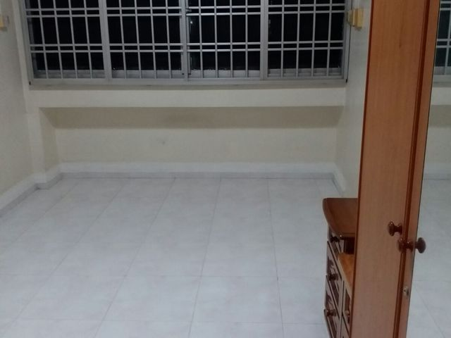 Common room at Tampines Street 33 for rent (No agent fee)