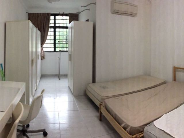 Private apartment no facilities- shops on ground floor-