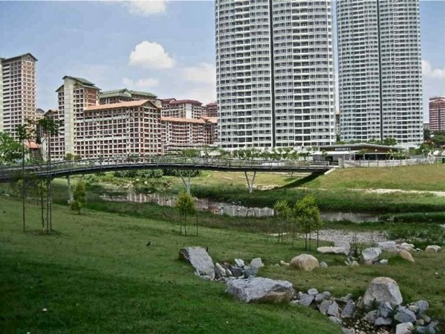 SPACIOUS 3 BEDDER CONDO Unit in BISHAN that so convenient !