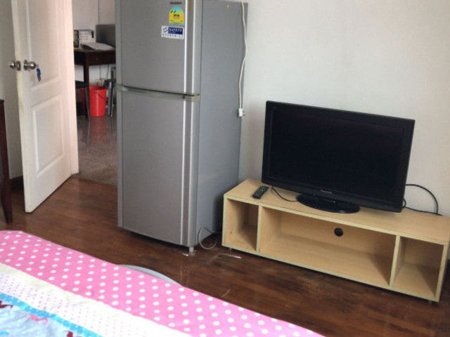 Geylang Apartment Master Room for Rent_8118..._No Agent Fee