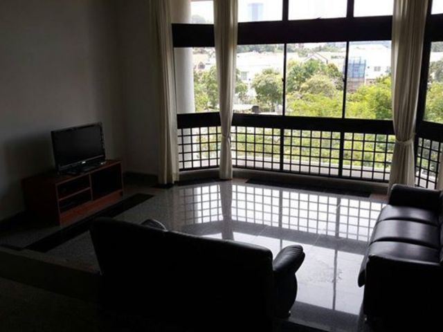 Room with attached bath in Pasir Panjang (Available from June 1)